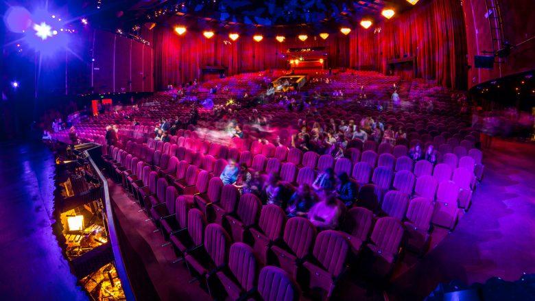 Spettatori a teatro